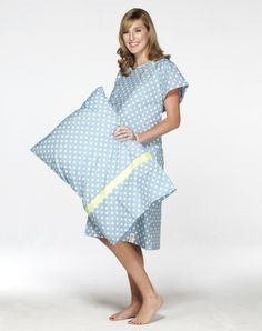 Nicole Delivery Gown & Matching Pillowcase