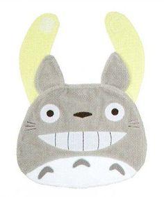 Play tonari no Totoro toys, baby-friendly toys フェイススタイ-bib Totoro and laughter q toy Studio Ghibli anime movies anime baby next door with Toro next to my Neighbor Totoro bibs Studio Ghibli My Neighbor Totoro?