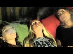 VapeGossip Pax and Firefly vaporizer review and comparison with the girls!