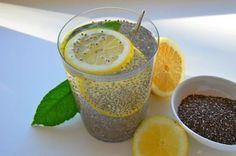 Muitas pessoas procuram alguma maneira de perder peso, muitas optam por receitas naturais.O limão e chia é novo queridinho das mulheres,é muito simples a...