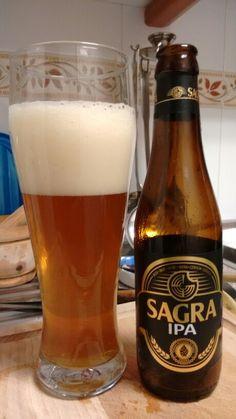 La SAGRA IPA es una cerveza arteanal de estilo Indian Pale Ale, con las notas afrutadas características de las Cervezas La SAGRA, en contraste con los 70 IBUs de amargor, haciendo una cerveza muy equilibrada entre cuerpo afrutado, notas amargas y aroma cítrico. Cerveza potente pero de trago largo y refrescante.