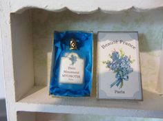 Vintage Toiletries Forget-me-not 1inch por MichaelasMiniaturen