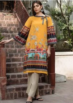 Buy LimeLight Winter Unstitched 2019 Collection - Volume 1 Printed Khaddar Unstitched 2 Piece Suit from Sanaulla Store - Original Products. Pakistani Fashion Casual, Pakistani Dresses Casual, Pakistani Dress Design, Casual Dresses, Fashion Dresses, Stylish Dresses, Neck Designs For Suits, Neckline Designs, Sleeves Designs For Dresses