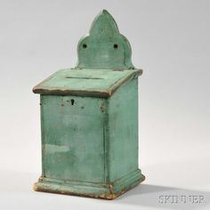Description: Light Green-painted Pine Lidded Wall Box, New England, early