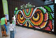 Bottle Cap Art, Diy Bottle Cap Crafts, Beer Cap Crafts, Plastic Bottle Caps, Reuse Plastic Bottles, Mosaic Crafts, Mosaic Art, Recycled Art Projects, Flower Pot Crafts