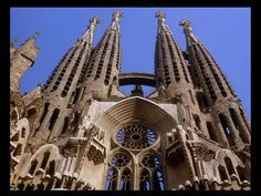 How wonderful what it be to shoot a wedding in Gaudi's La Sagrada Família?! #spain #gaudi #architecture