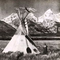 Gladys Laubin - Cheyenne Tipi by Tetons Native American Teepee, American Indian Art, Native American Indians, Plains Indians, Red Indian, Native Indian, Sioux, Indian Teepee, Indian Architecture