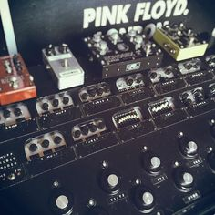 Guitar Rig, Cool Guitar, David Gilmour Guitar, Pedalboard Ideas, Pink Floyd, Rigs, Guitars, Instruments, Electronics