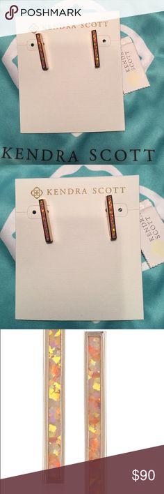 New Kendra Scott Simone Bar Earrings Coral Opal, new with tags! Kendra Scott Jewelry Earrings