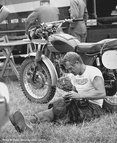 lifestyleoftheunemployed: Buy a Motorcycle