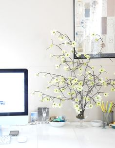25 Home Office Décor Ideas To Bring Spring To Your Workspace | DigsDigs