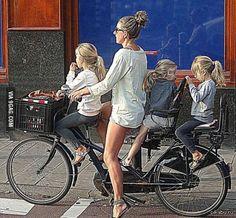 Как датские мамы отвозят детей в школу   Дети, Мама, велосипед, Дания, 9gag