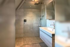 Nothing beats a large, stylish glass panel in your wetroom Wet Room Screens, Shower Screens, Glass Shower Doors, Frameless Shower Enclosures, Glass Suppliers, Laminated Glass, Glass Balustrade, Large Shower, Custom Glass