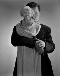 Orson Welles behind Shakespeare bust, New York, april 1942 -by Cecil Beaton  chagalov  via corbis