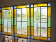 Resultado de imagen para ventanas con vidrios de colores