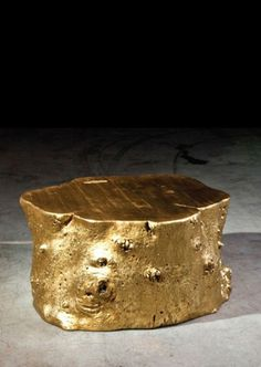 Golden Log Table by Jason Phillips..... my next diy project