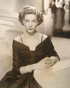 Old Hollywood Dresses Betty (Lauren) Bacall Old Hollywood Dress, Old Hollywood Actresses, Old Hollywood Movies, Old Hollywood Glamour, Vintage Hollywood, Classic Hollywood, 50s Actresses, Vintage Vogue, Vintage Glamour