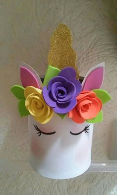 Cute and Easy Unicorn crafts for kids of for unicorn birthday parties Foam Crafts, Diy And Crafts, Crafts For Kids, Decor Crafts, Kids Diy, Unicorn Headband, Diy Headband, Unicorn Shirt, Unicorn Centerpiece