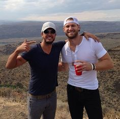 2 of my favorite (Luke Bryan & Chase Rice) - AND it looks like this was taken at Watershed just a couple days ago.