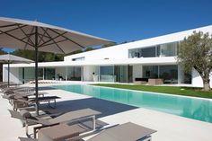 BOND à Ibiza