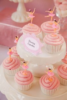 Dancing Cupcakes...reminds me of my childhood jewelry box!