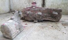 Relics of 900 year old Hindu Temple below a grave were found in Musti village https://www.hindujagruti.org/news/13043_truth-of-taj-mahal-by-pn-oak.html