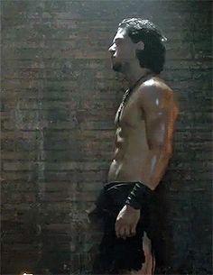 Kit Harington shirtless gif pompeii profile