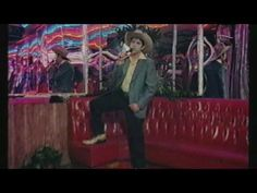 Ariel Pink - Another Weekend [Official Video] - YouTube