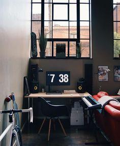 Random Inspiration 304 - UltraLinx Gaming Desk, Computer Setup, Gaming Room Setup, Office Setup, Pc Setup, Studio Room, Home Studio, Home Technology, Technology Gadgets