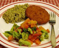 Quick & Tasty Dinner Inspiration (Vegetarian, too!) http://shar.es/ffWfg     (healthy, couscous, tasty, simple, recipe,veggies, meatlessmonday, meatless, monday, MorningStar)