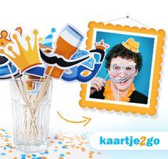 Maak je eigen Koningsdag photo props! Download de gratis knipvellen via https://www.kaartje2go.nl/koningsdag-2015 #Koningsdag #DIY #fotofun #photoprops #freebie #printable #papercraft #knutselen #Kaartje2go