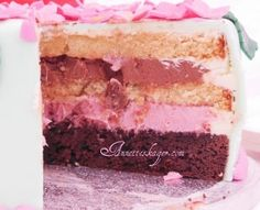 Kage til have fest med hindbær mousse og toblerone creme - Annettes kager og andre lækkerier