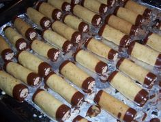 Desert Recipes, Bottle Crafts, Hot Dog Buns, Nutella, Sausage, Sweet Tooth, Cheesecake, Deserts, Food And Drink