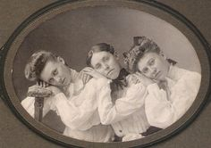 PRESENTING A MASTERFUL ARTISTIC ANTIQUE Circa 1890's CABINET CARD PHOTO OF THREE GORGEOUS YOUNG LADIES STRIKING A MARVELOUS POSE! This is a really excellent antique circa 1890's cabinet card photograph.