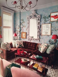 We already choose The Best Bohemian Style Interior Design Ideas for Your Perfect Summer. Be bold, your residence is full of interior design ideas. Home Interior, Interior Decorating, Decorating Ideas, Style Salon, Diy Casa, Vintage Interior Design, Colorful Interior Design, Color Interior, Vintage Interiors
