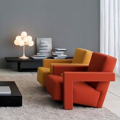 The iconic Utrecht Armchair designed by Gerrit Rietveld. The Utrecht can be upholstered in fabric or leather and is always finished with white contrast stitching. Contemporary Armchair, Modern Armchair, Modern Chairs, Modern Furniture, Furniture Design, Furniture Repair, Modern Contemporary, Table Orange, Lounge Chair Design