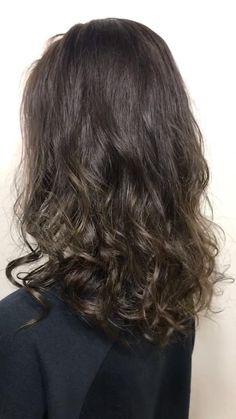 8トーンの髪色です Half Up Half Down Hair, Brunette Hair, Easy Hairstyles, Hair Color, Long Hair Styles, Beauty, Natural Wavy Hair, Haircolor, Easy Hairstyle