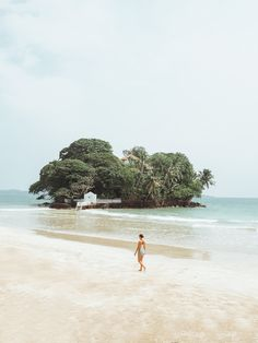 Wandering around Weligama in Sri Lanka. Wanderlust Instagram: small.lena