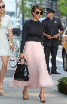Jessica Alba at New York Fashion Week Spring 2014. #NYFW #spring2014 #hollywoodcelebrities