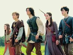 Which Narnia Character Are You?You can find Chronicles of narnia and more on our website.Which Narnia Character Are You? Chronicles Of Narnia Characters, Aslan Narnia, Narnia Cast, Disney Pixar, Narnia Costumes, Narnia Prince Caspian, Edmund Pevensie, Lucy Pevensie, Narnia Movies