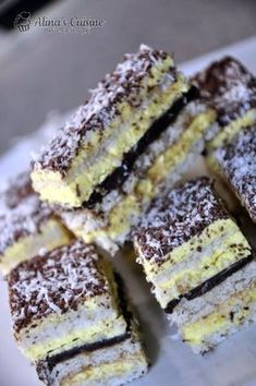 Romanian Desserts, Romanian Food, Dessert Cake Recipes, Sweet Desserts, Crazy Cakes, Yummy Cookies, Desert Recipes, Mini Cakes, Food To Make
