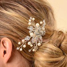 bridal hair accessory http://www.bfashionista.com/