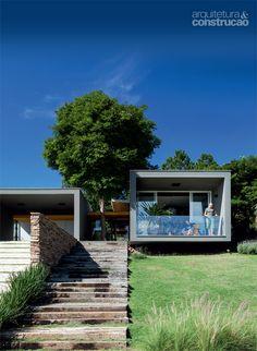 Casa de campo possui um chalé anexo de 24 m2 com ofurô - Casa