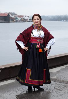 Beltestakk Folk Costume, Costumes, Victorian Costume, Oslo, Folklore, Traditional Outfits, Norway, All Things, Scandinavian