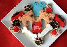Cookie platter made for a Shar Pei lover --and she works for a vet too! Modified my original animal lover platter for this--again credit to *THE* cookieartisan for the wonderful dog toy cookies idea :) Dog Cookies, Easter Cookies, Cupcake Cookies, Vet Cake, Mini Cookie Cutters, Iced Sugar Cookies, Dog Bakery, Cookie Icing, Shar Pei