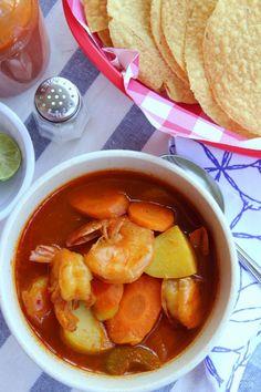 #receta Caldo de Camarones #caldodecamarones by www.unamexicanaenusa.com