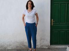 Schnittmuster von Esperanza Marcos entworfen. Wir stellen Ihnen das Schnittmuster in Papierform Schnittmuster für Hosen unebene Falten. Grössen 36,