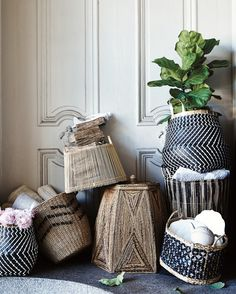 Neatniks, Rejoice!:  The Complete Spring Cleaning Guide Have you heard the news, dear reader?...