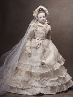 """18"""" Very rare Fully original French Fashion Jumeau wedding couple with original box and accessories!"""
