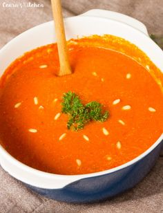 Creamy Healthy Roasted Red Pepper Soup, Healthy Dinner: Roasted Fennel Soup Peaceful Dumpling, Roasted Tomato Basil Soup w/Mini Grilled Che. Roasted Tomato Basil Soup, Roasted Red Pepper Soup, Roasted Fennel, Roasted Red Peppers, Soup Recipes, Cooking Recipes, Healthy Recipes, Healthy Soups, Stuffed Pepper Soup